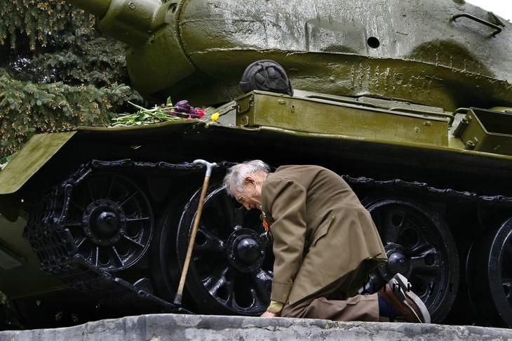 Отголоски войны (4 фото)