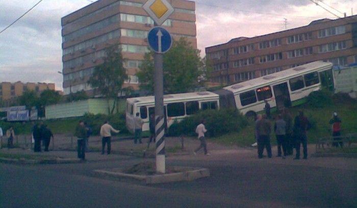 22. Кто круче автобус или Камаз.…