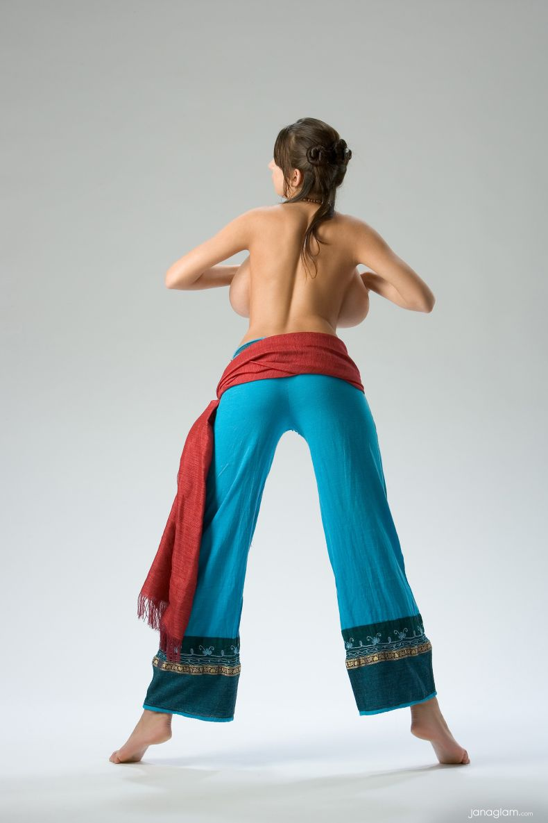 Jana Defi - модель с БОЛЬШИМИ амбициями (16 фото)