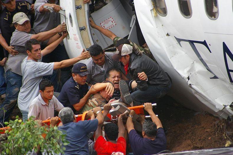 Авиакатастрофа в Гондурасе (6 фото)