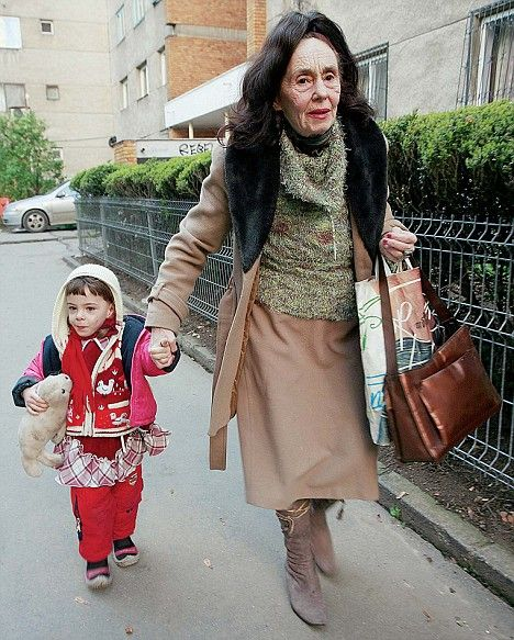 Самая старая мама (5 фото)