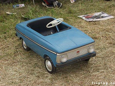 Купить педальные машины для детей в интернет магазине Только Детям. Низкие цены, удобная доставка по Москве и России