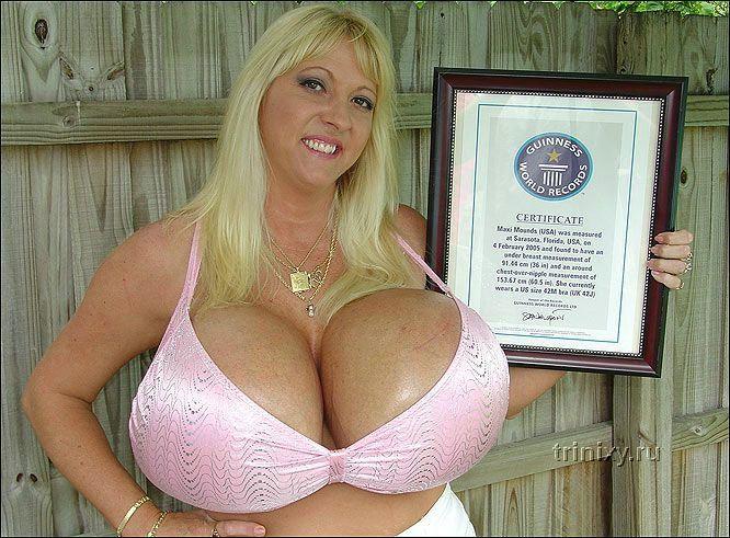 Самая большая грудь (11 фото)