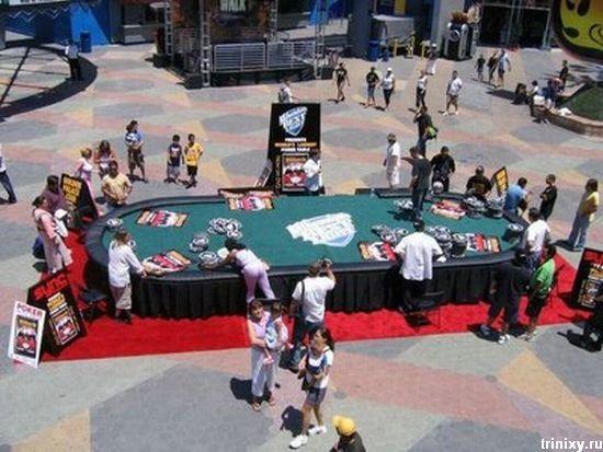 Покерная гигантомания (5 фото)