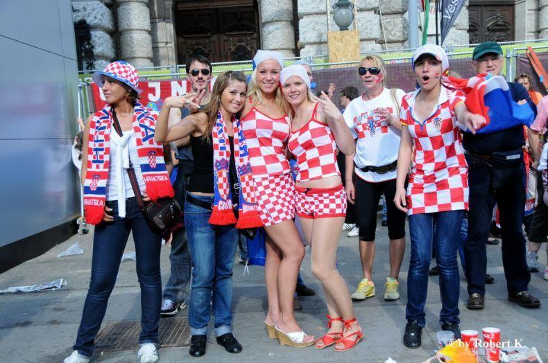 Футбольные фанатки (141 фото)