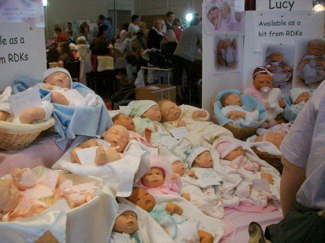 Выставка почти живых кукол (33 фото)