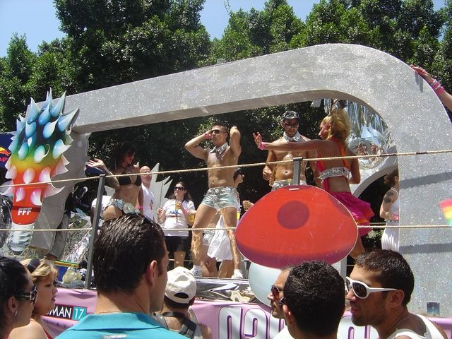 Тель-авивский гей-парад (52 фото)
