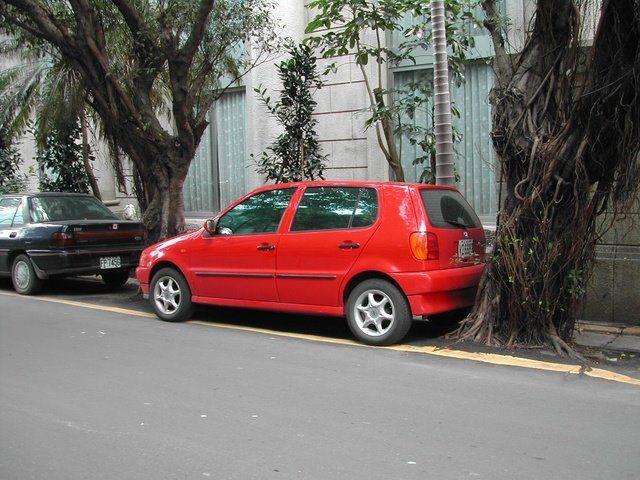 Чудеса парковки (3 фото)