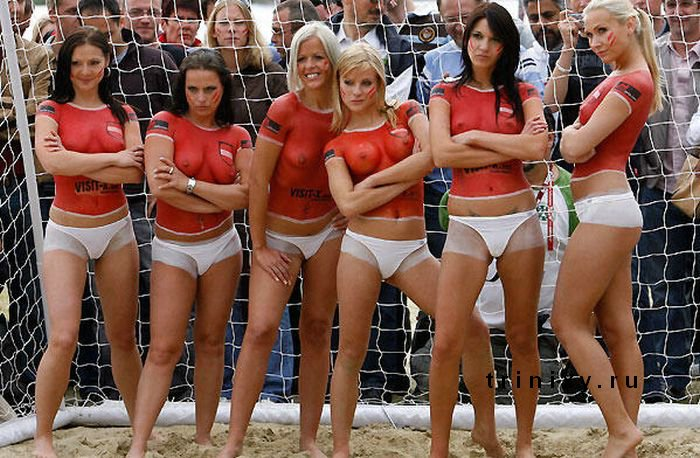beach-soccer-nude-young-naked-familys