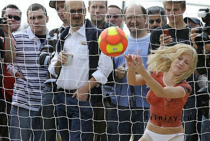 Немного другой футбол. Матч порнозвезд (30 фото) НЮ