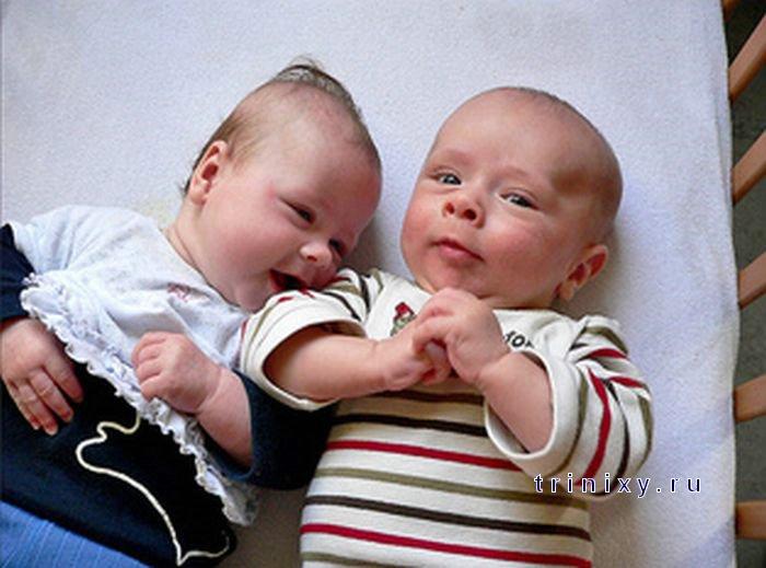 Позитивно. Два малыша. Детские эмоции (6 фото)