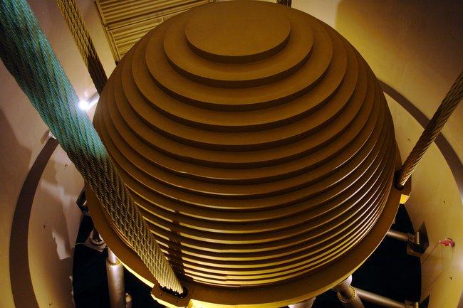 Уникальный 728ми тонный стабилизационный шар небоскреба Taipei 101 (3 фото + видео)
