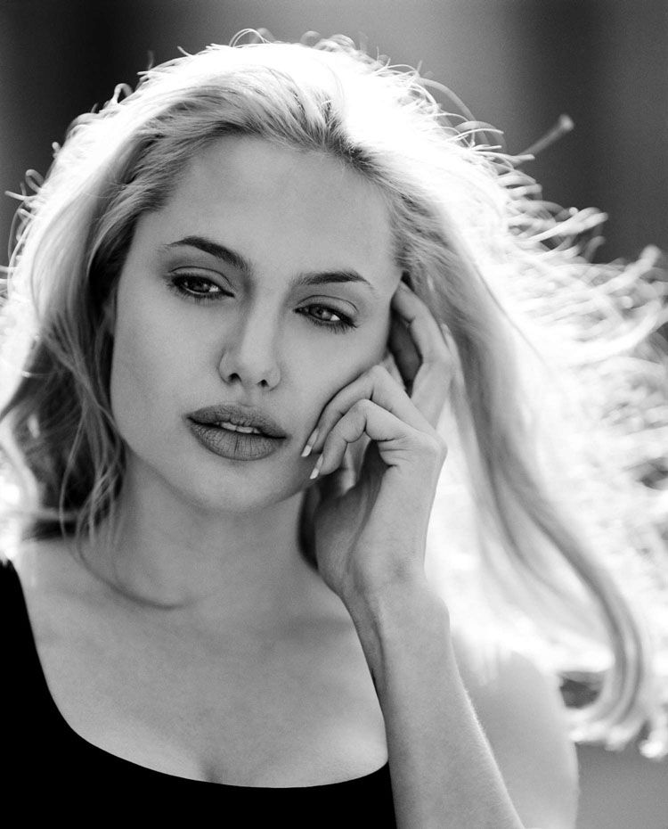 анджелина джоли фото блондинка