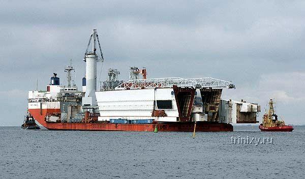 Перевозка самого большого портового крана (34 фото)
