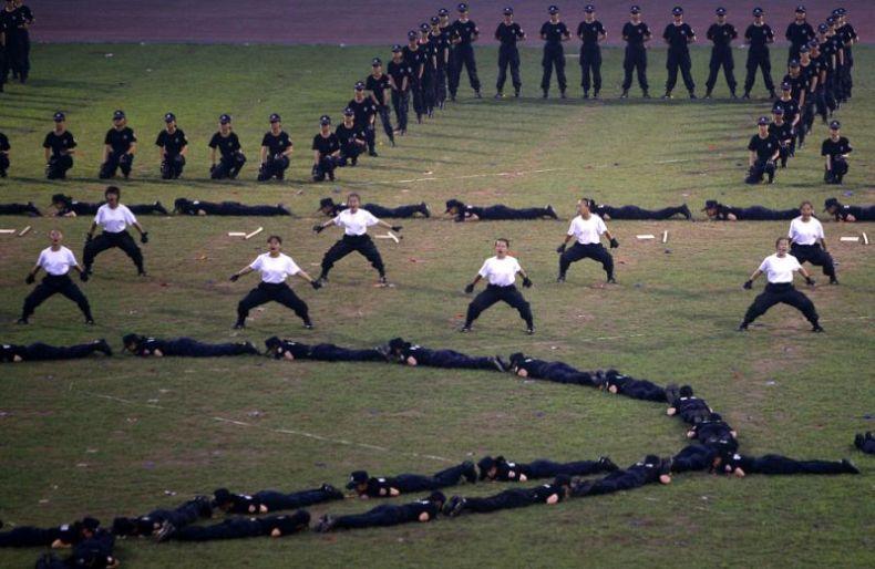 Китайский антитеррор (14 фото)