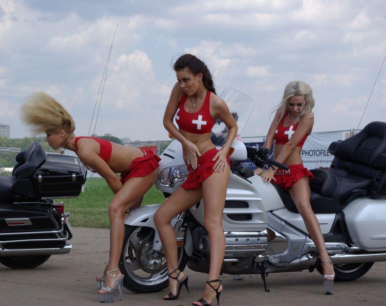 Красивые девушки на Автоэкзотика-2008 (22 фото) Есть НЮ!