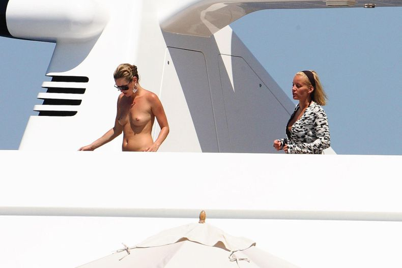 Kate moss topless boat yacht — photo 12