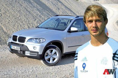 Автомобили, на которых ездят российские футболисты (10 фото + текст)