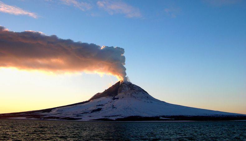 Вулкан проснулся (15 фото)