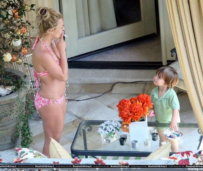 Мама дня - Бритни Спирс (5 фото)
