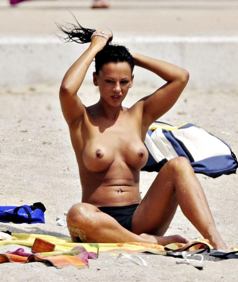 Albufeira pictures topless