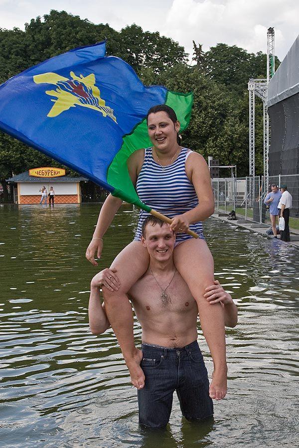 День ВДВ в Парке Горького, суббота, 2 августа (24 фото)