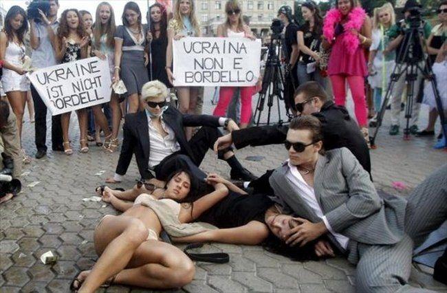 Студентки против проституции (36 фото)