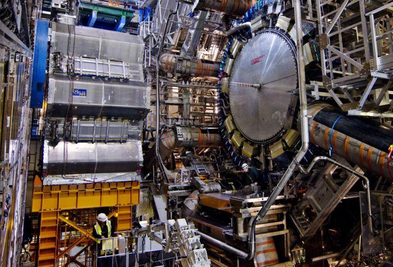 Новые фотографии Большого Адронного Коллайдера (27 фото)