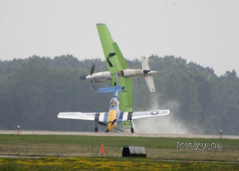 Столкновение самолетов (8 фото)