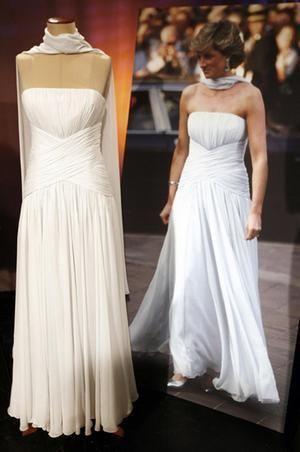 И другие знаменательные и известные платья леди Ди платье с шарфом.