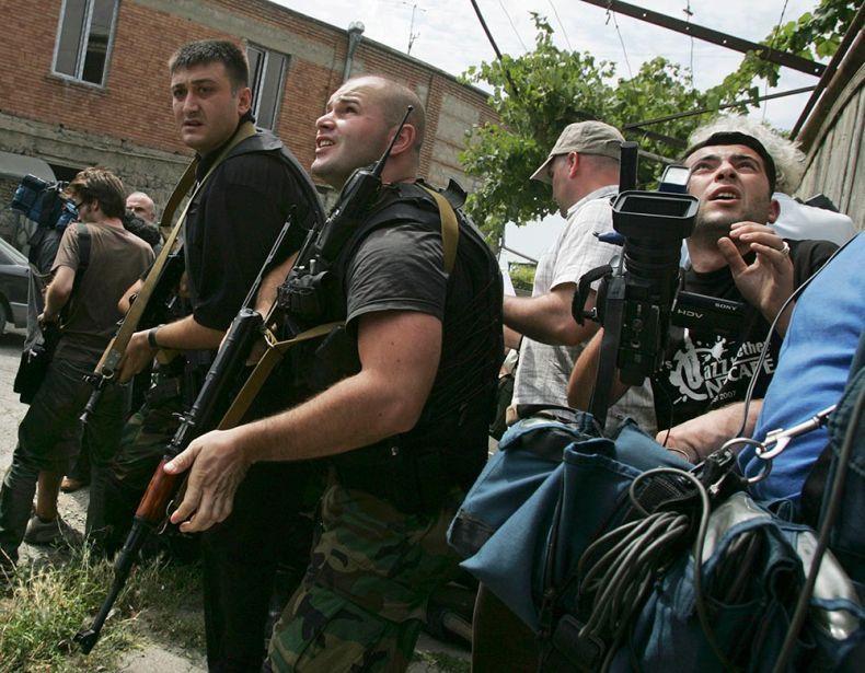 Паника Саакашвили (4 фото + 2 видео)