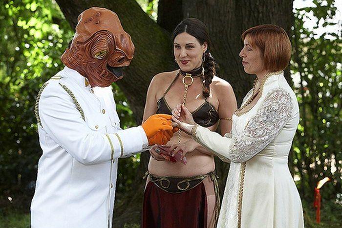 Вот такая необычная свадьба (12 фото)