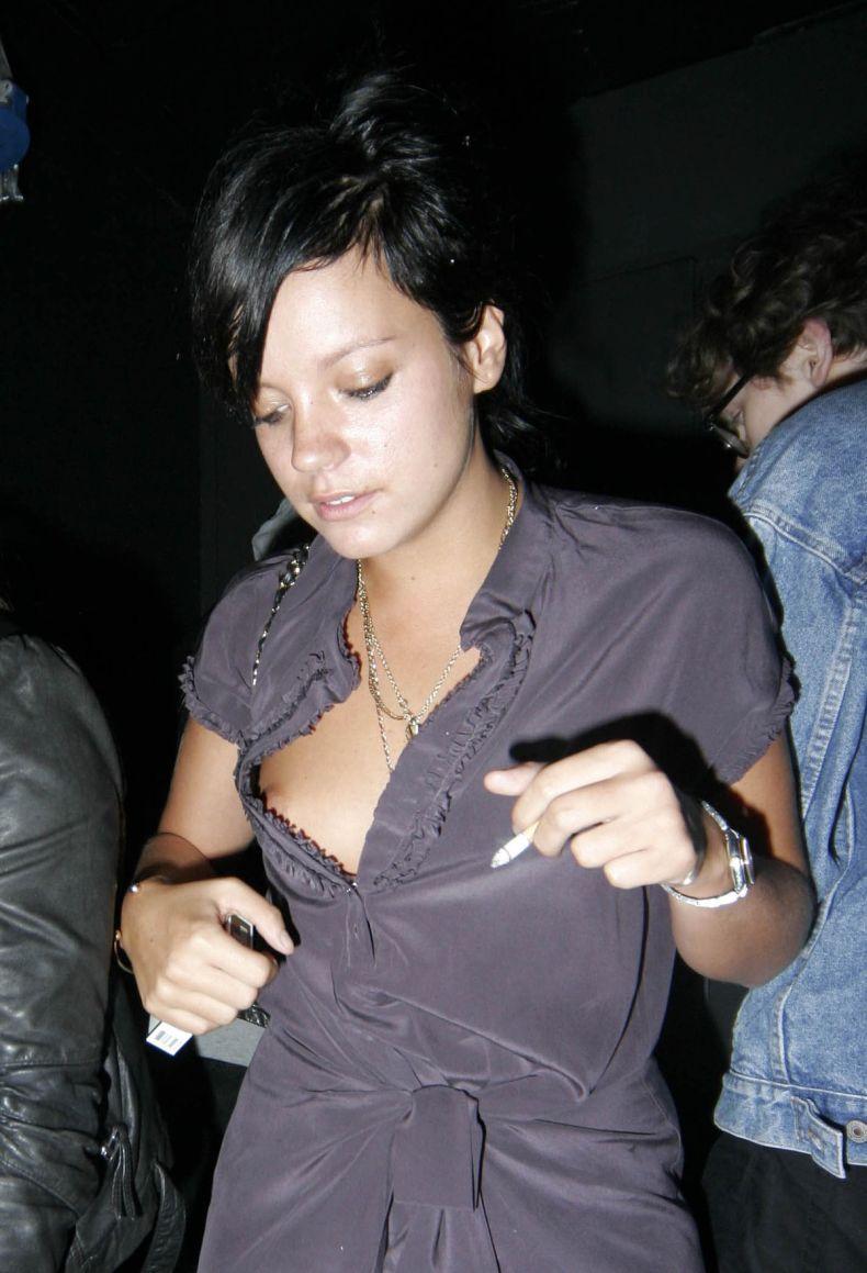 Lily allen's boobs