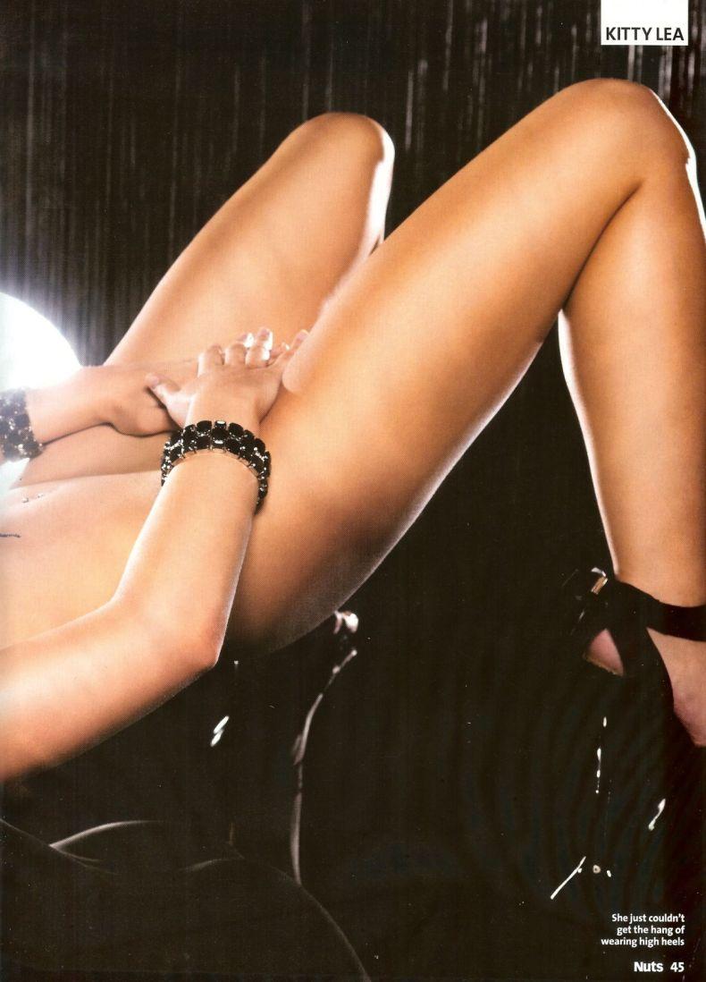 Эротические снимки Kitty Lea (9 фото)