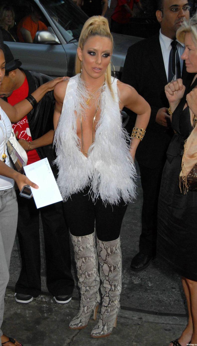 Певица Обри О'Дэй (Aubrey O'Day) в симпатичном платье (9 фото)