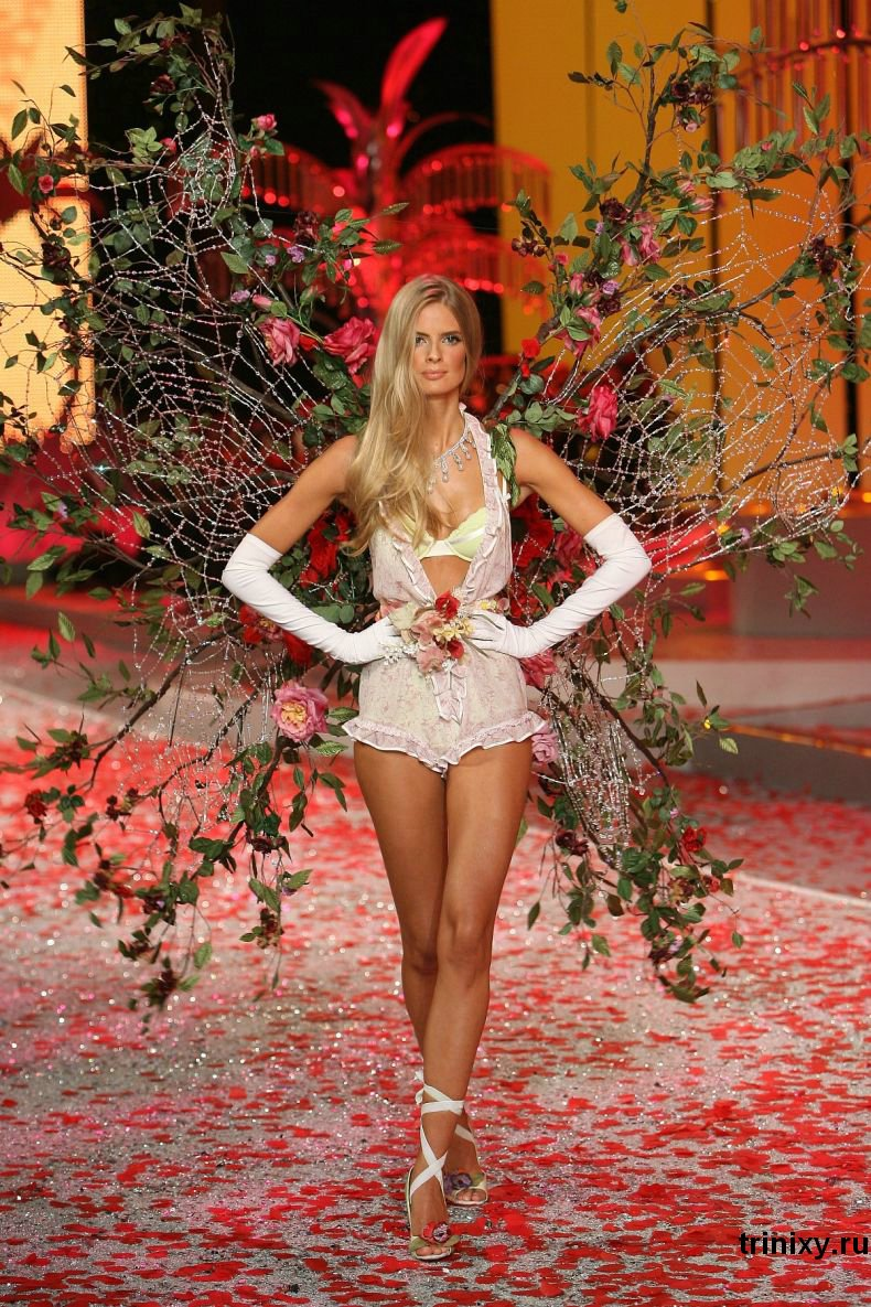 Victoria's Secret Fashion Show 2008 Часть 2 (99 фото)
