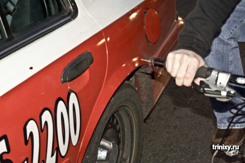 Борьба с автомобилями (3 фото)