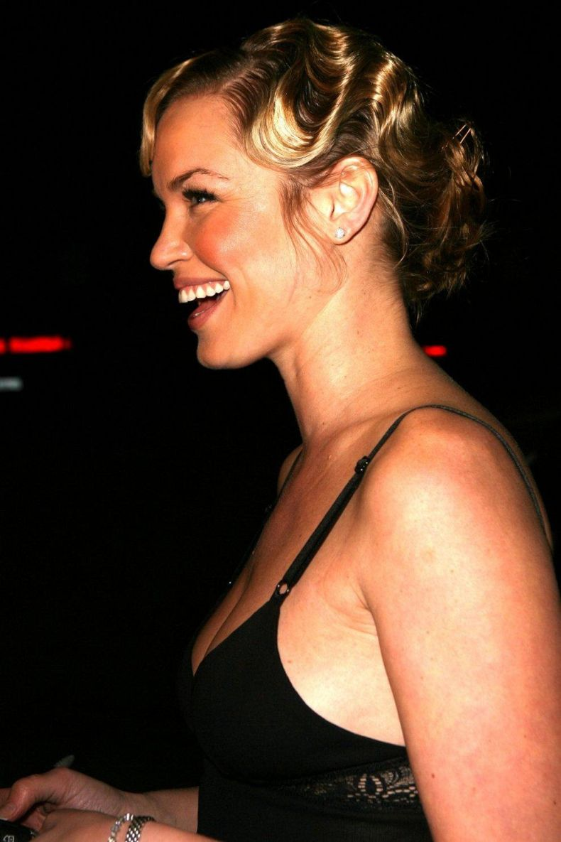 Ashley Scott (7 Фото)