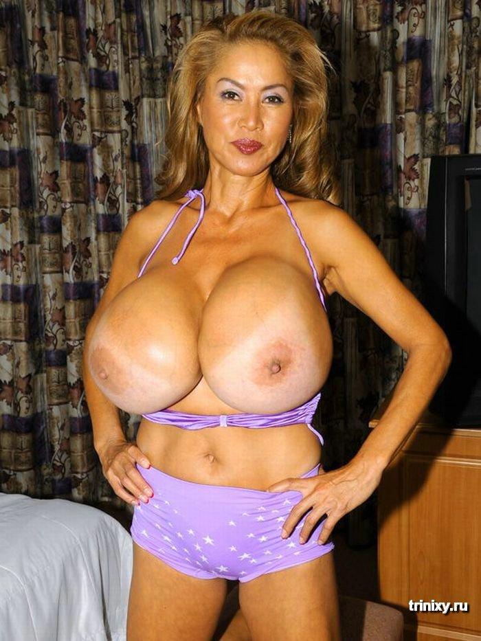 Самая большая грудь в мире фото голая