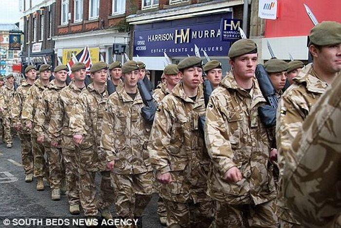 Как Англия встречает своих героев (5 фото)