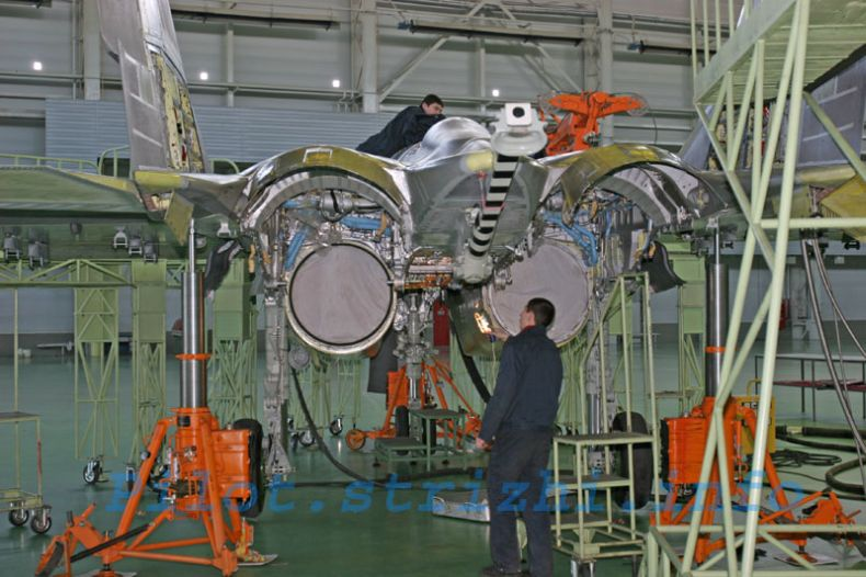 Производство серийных МиГ-29К/КУБ в Луховицах (19 фото)
