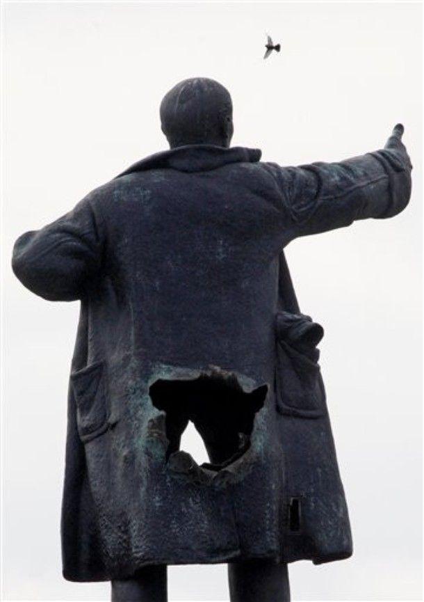 Неизвестные взломали мавзолей Котовского в Одесской области - Цензор.НЕТ 2019