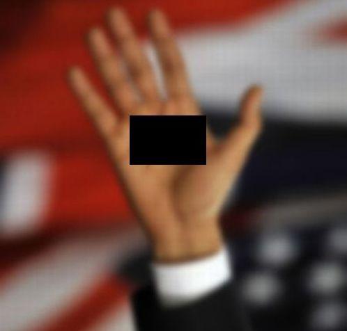Слово **й на ладоне Обамы (2 фото)