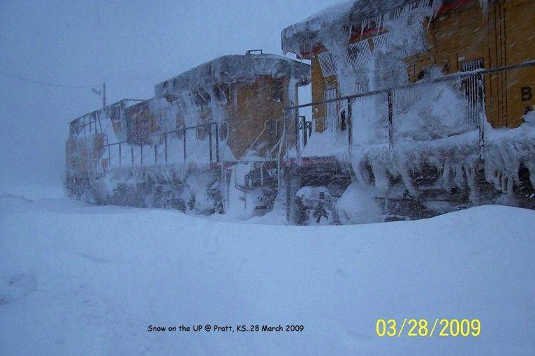 Снегопады в конце марта в США (6 фото)