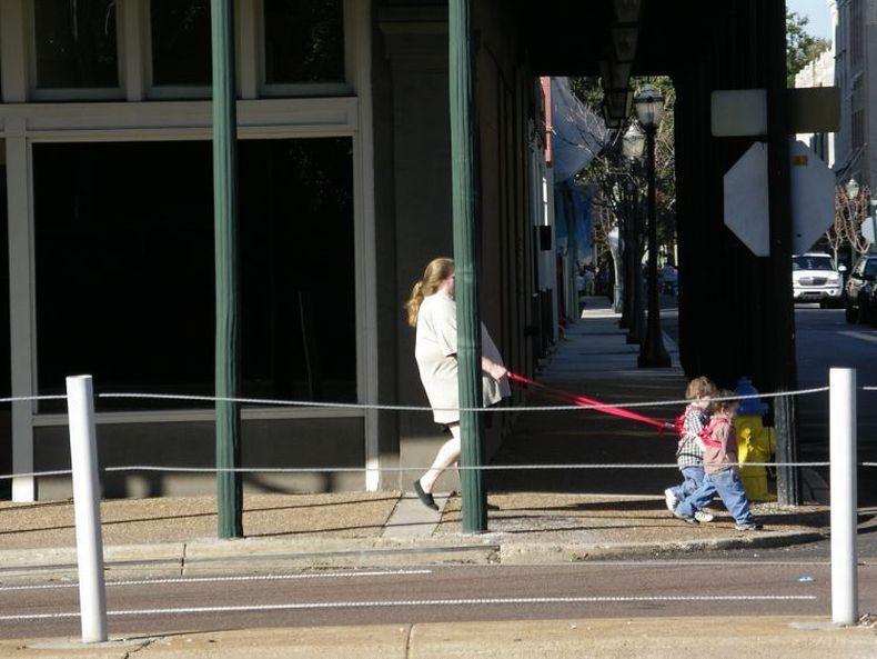 Дети на поводке (35 фото)