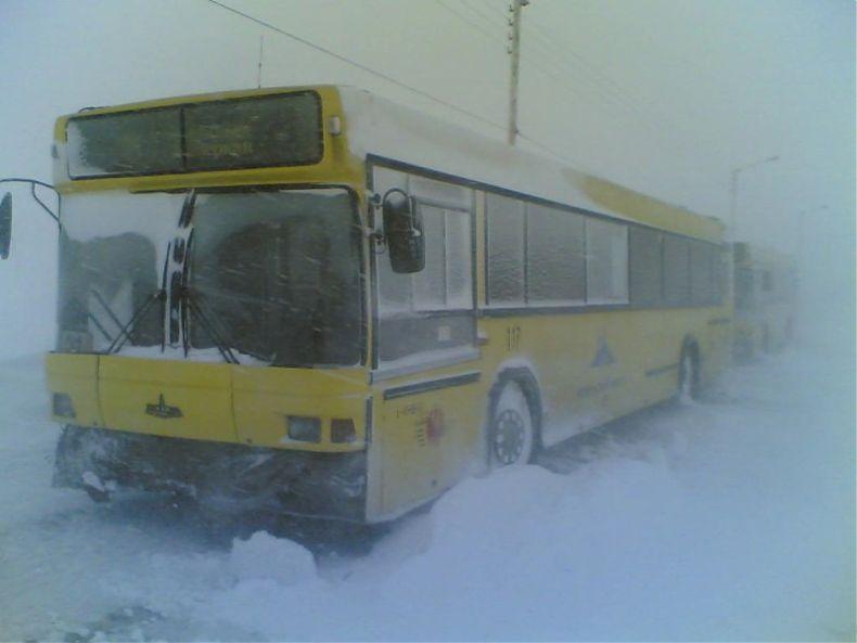 Общественный транспорт в зимнем Норильске (17 фото)