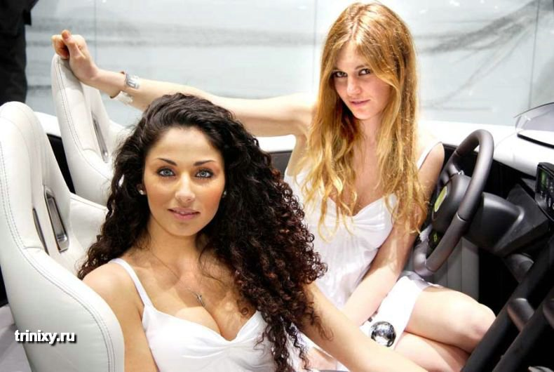 Девушки с женевского автосалона (24 фото)