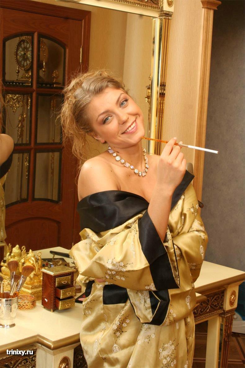Мел Гибсон и его новая девушка Оксана Почепа (19 фото)
