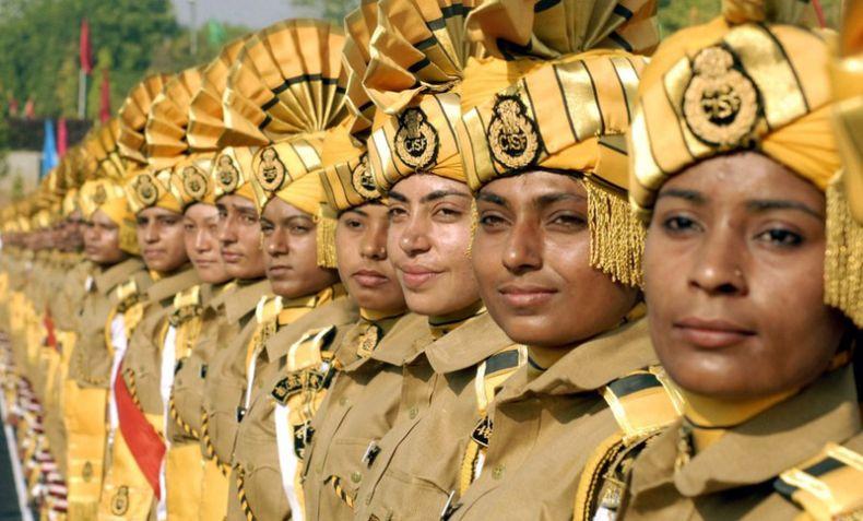 Новобранцы в армиях мира (12 фото)