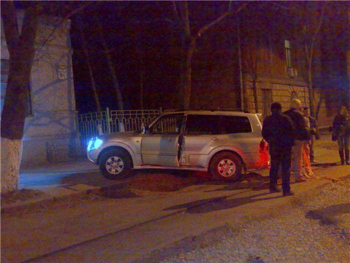 Неудачный разворот Мерседеса в Харькове (14 фото)
